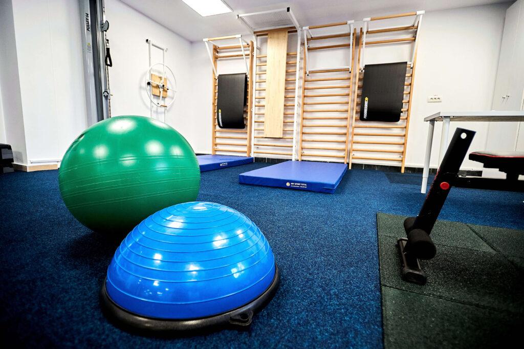 Clinica de recuperare medicala Flexmed specializata in recuperarea afectiunilor ortopedice, neurologice, sportive si reumatologice